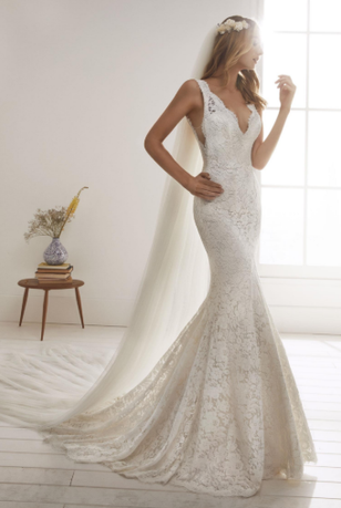 White One Orense Lace Mermaid Dress