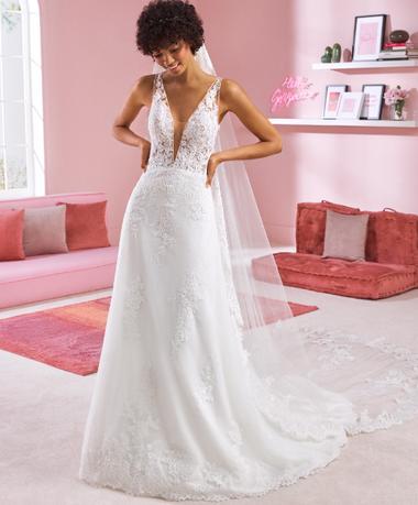 White One Gown A-Line Deep V Neckling Wedding Dress