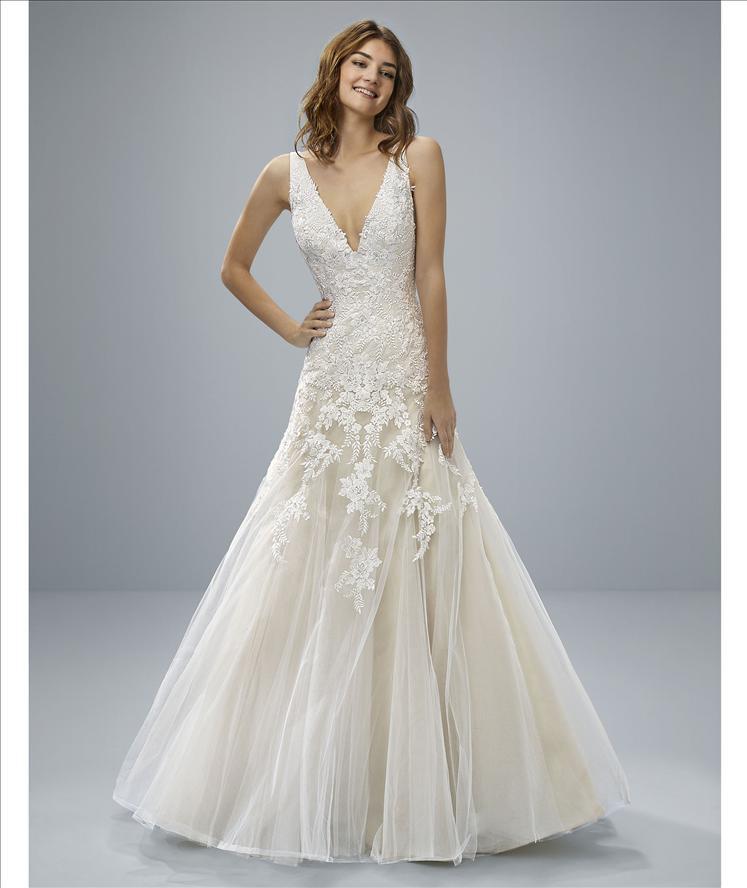 modified a-line v neckline applique lace wedding dress