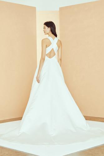 2-Nouvelle_Bridal_R312S_MAGGIE_Dress_Hig