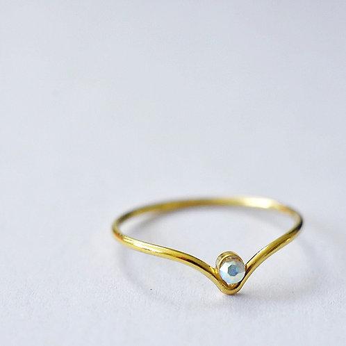 Fijne vergulde ring met swarovski pareltje