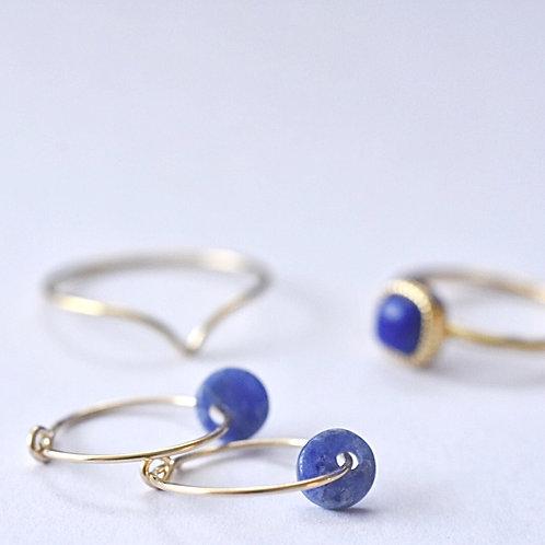 Fijne creolen met edelsteen in blauw