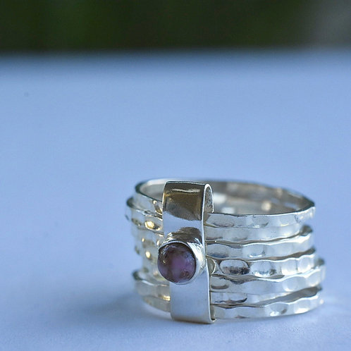 Ring in Sterling zilver met paars steentje