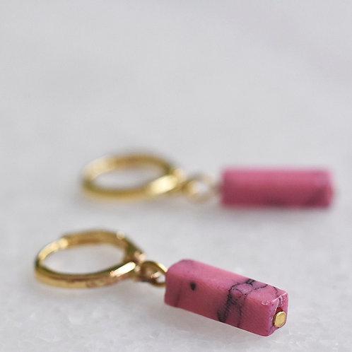 Oorringetjes verguld met roze steentje