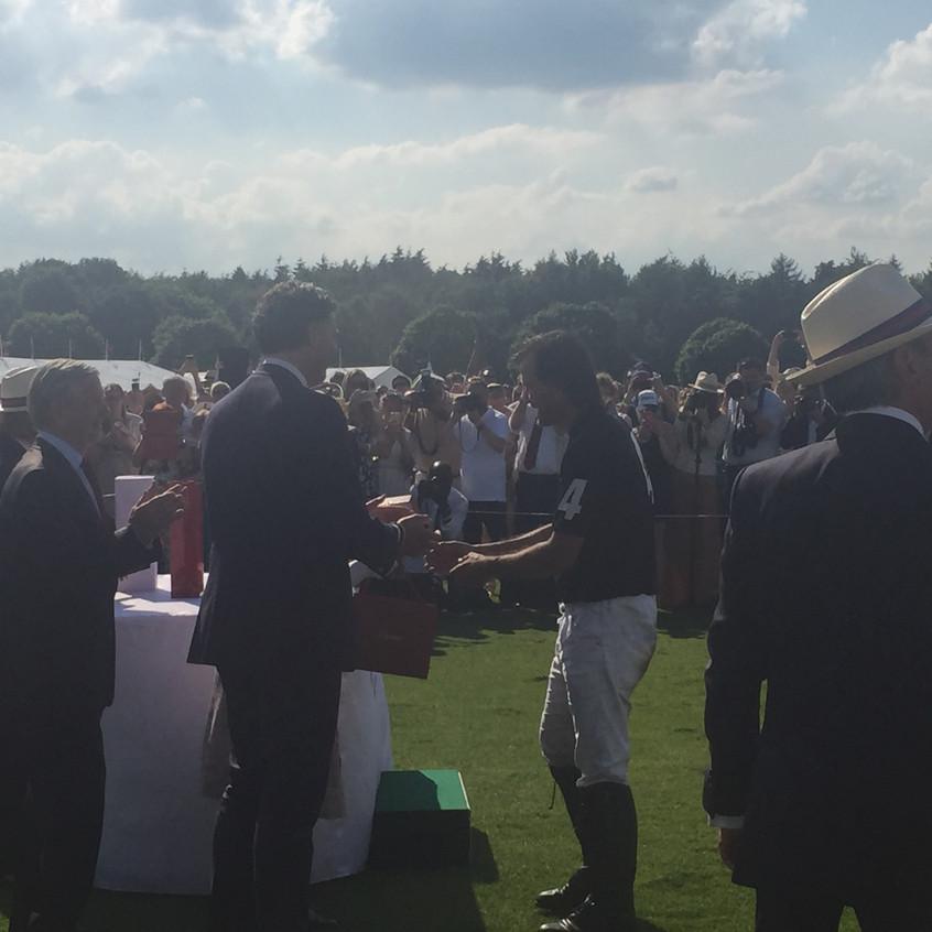 Cambiaso receives his prize