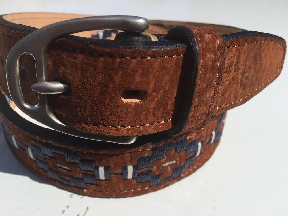 Stirrup belt buckle option