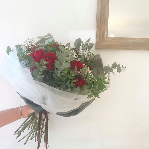 Red rose hand tied (12)
