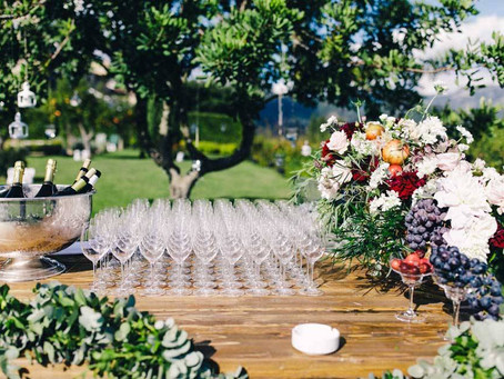 How to Style your Wedding Bar