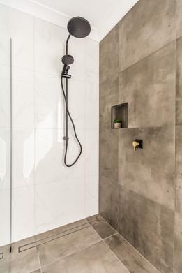 Walk-in Shower with Rain Shower Head