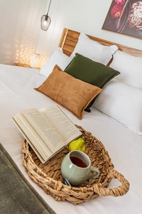 Cosy bed, 'Silky Oak'