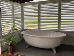 'Silky Oak' Spa Bath on the Deck
