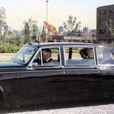 he Queen in the Royal car. Clydebank Centenary Celebrations 1986 - photo by Wallace McIntyre