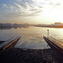 Graeme Watt sent me this photograph of the remains of the old slipway that launched the great liners in Clydebank. A very impressive photo I think. Clydebank 2009 - Photo supplied by Graeme Watt
