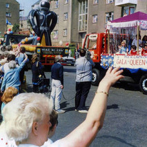 The Gala Queen float in Second Avenue. Clydebank Centenary Celebrations 1986 - photo by Wallace McIntyre