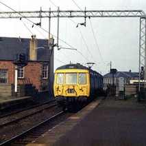 Electric train coming into Clydebank Station. - 24th September 1977
