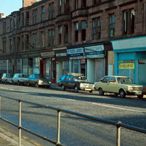 Kilbowie Road, you can just see a part of the new Clyde Shopping Centre which opened in 1978. - Photo by Tommy Quinn. 1979