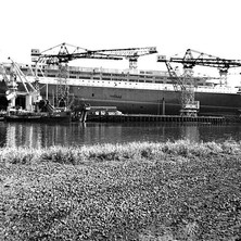 The QE2 looking Majestic. - John Brown Shipyard, Clydebank, 1967. Photo by William Duncan