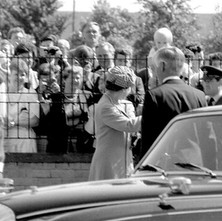 We went round to see the Queen at St Margaret's Hospice. She was visiting Clydebank for the Centenary celebrations.  -  Whitecrook Saturday 9th August 1986