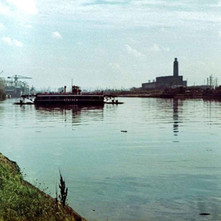The Renfrew Ferry crossing the Clyde between Yoker and Renfrew. - Photo by Tommy Quinn. October 1978