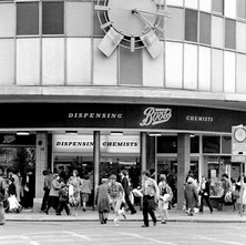 The famous Boots clock on the corner of Argyle Street where many a first date used to meet. I met my wife there for our first date in the 60s. - Friday 29th June 1979