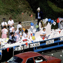 The Clydebank Ski Club float in Parkhall. Clydebank Centenary Celebrations 1986 - photo by Sam Gibson