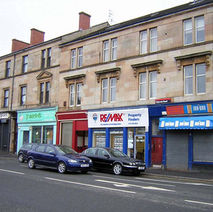 Kilbowie Road. The red shop without a name is Austin Barbers, where I have had my hair cut for many years. - 4th April 2009 - Clydebank