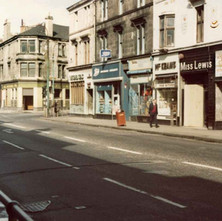 Glasgow Road looking towards the start of Kilbowie Road, The Seven Seas and the Clydebank Bar on the corners. - Photo by Tommy Quinn.