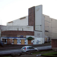 La Scala Cinema. The last of the old cinemas in Clydebank, now going to be demolished. it was the Gala Bingo hall before it shut down. - 7th February 2009 - Graham Road, Clydebank