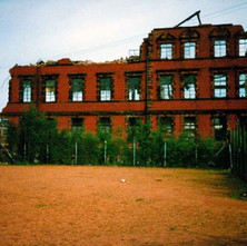 The UCBS biscuit factory being demolished. Clydebank 1987. - Photos taken by Sarah from California, USA