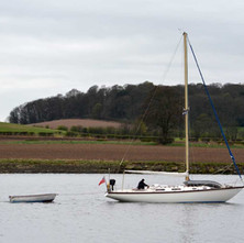 Yacht sailing on the River Clyde... engine power... - 5th April 2012