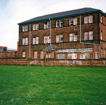 Elgin Street School, closed, awaiting demolition. Clydebank 1987. - Photos taken by Sarah from California, USA