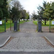 Dalmuir Park entrance on Overtoun Road - 19th April 2012