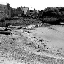 The Kinness Burn runs into the harbour.  -  St Andrews  -  16th July 1978