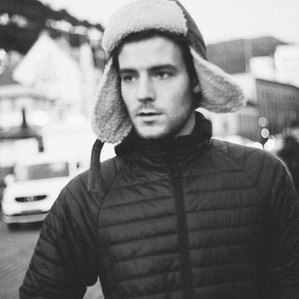 Classical-Folk Artist, Roo Panes: An Interview
