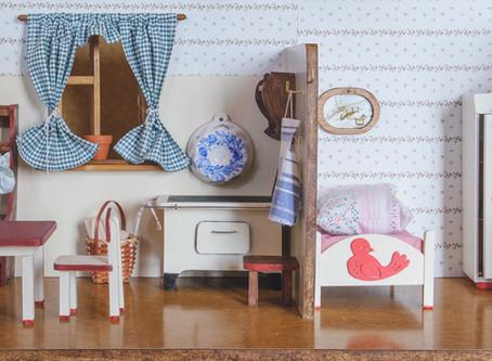 Saturday Writing Prompt - Miniature Dollhouse - 25th July