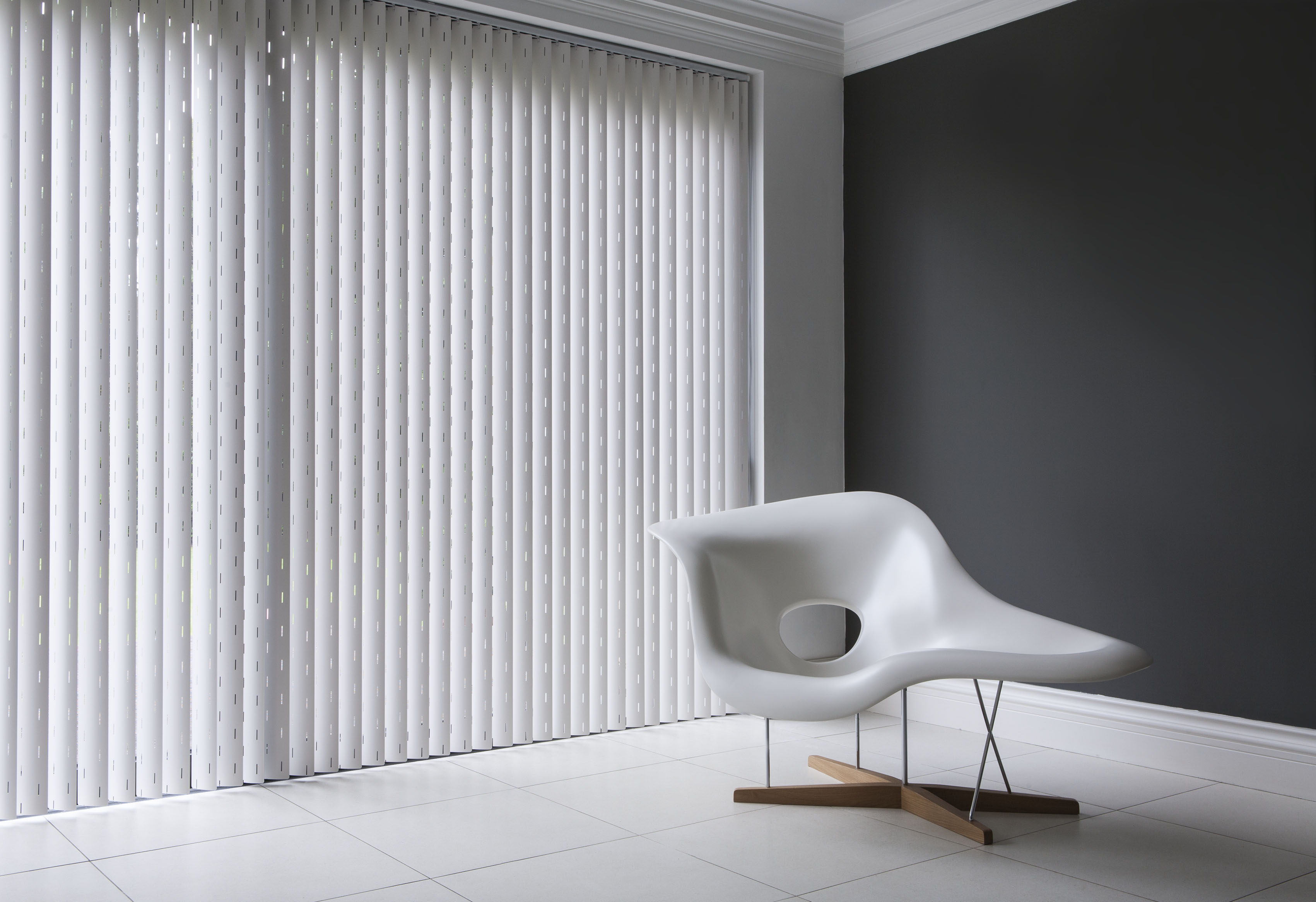modern-vertical-blinds-slats-with-all-slats-are-blackouts-ridged-pvc-slat-plains-slats-pattern-slats