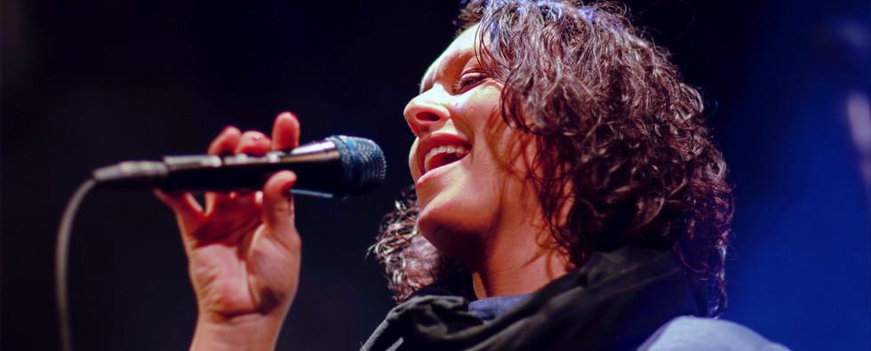 Yasmina Sister Moon