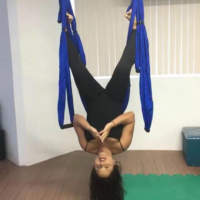 Neopilates é um novo conceito de atividade física. As aulas reúnem exercício de Pilates, Funcional e movimentos de Circo com o próprio corpo.