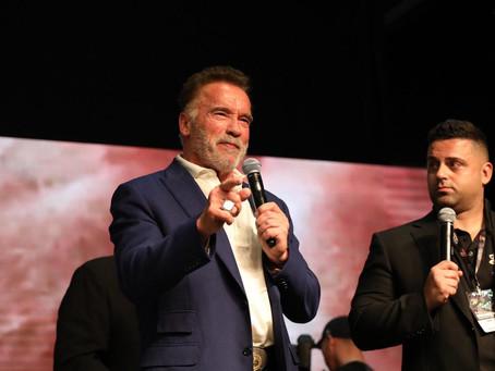 Schwarzenegger participa da cerimonia de abertura do Arnold Sports Festival South America, e convoca