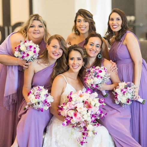 bride%20and%20bridesmaids_edited.jpg
