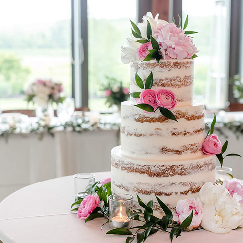 wedding-cake-flowers.jpg