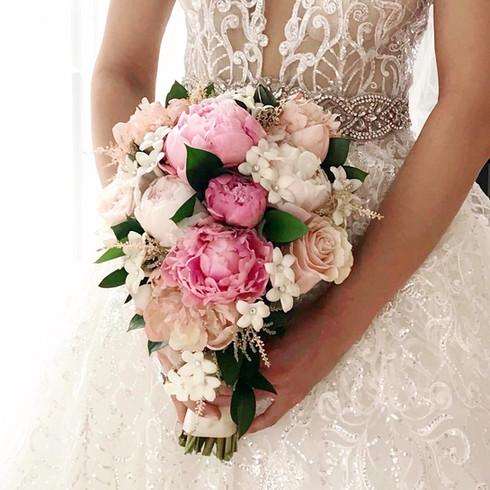 peonie bouquet.jpg