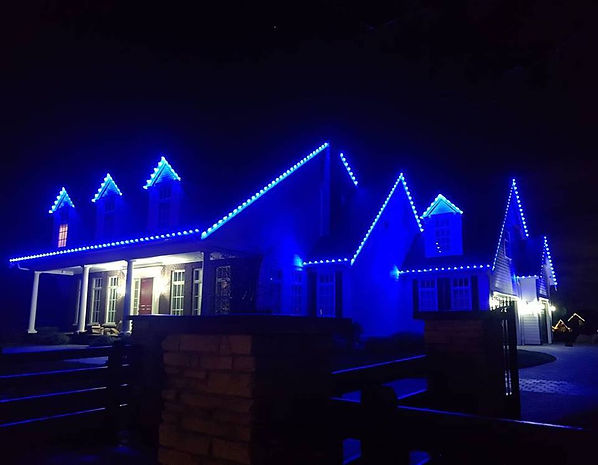Surrey Christmas Lights Roof Lined in Blue