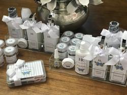 kits toalete personalizados com hortências