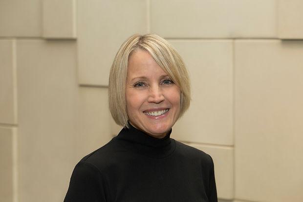 Profile Picture - Julie Mackey.jpg