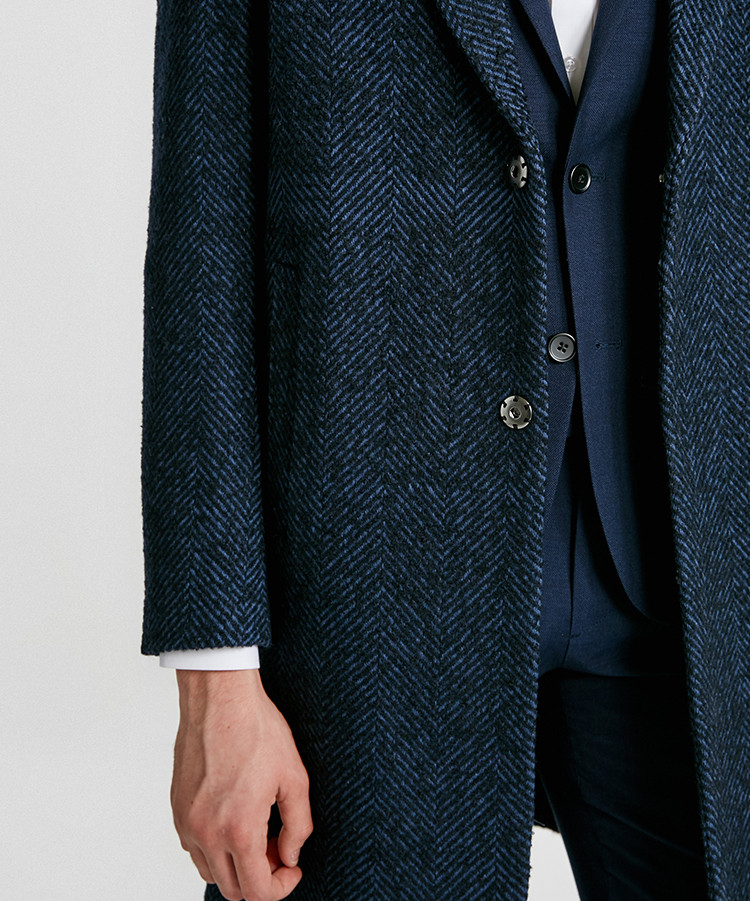 Coat011.jpg