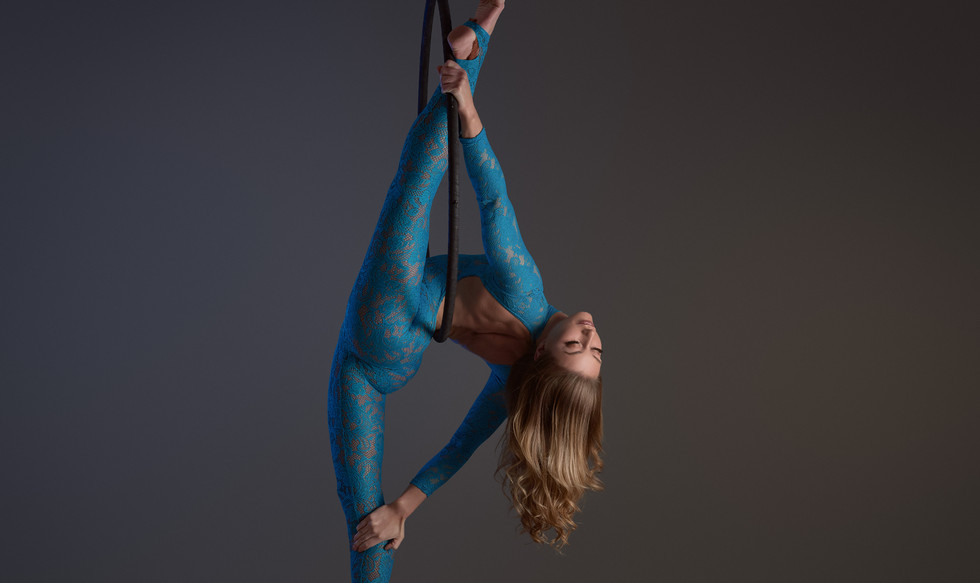 Best Aerialists Show for Hire London UK