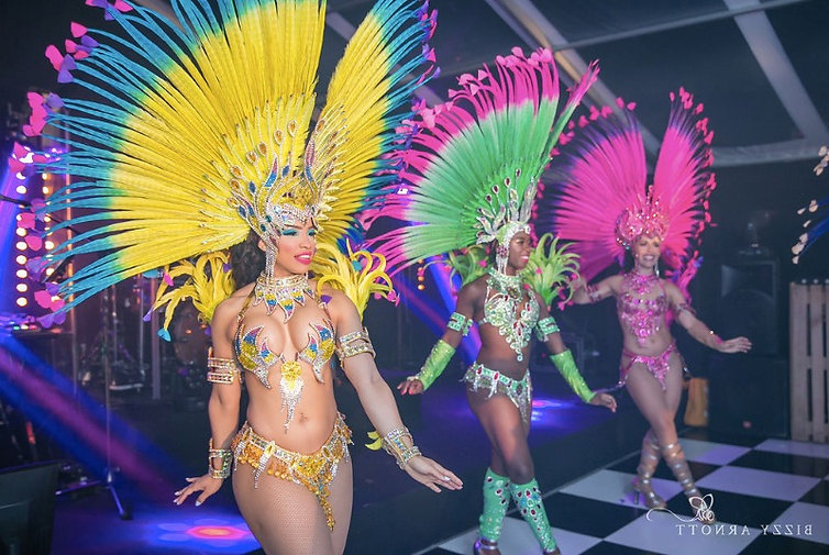 Brazilian Fantasy Samba dancers london uk_edited.jpg