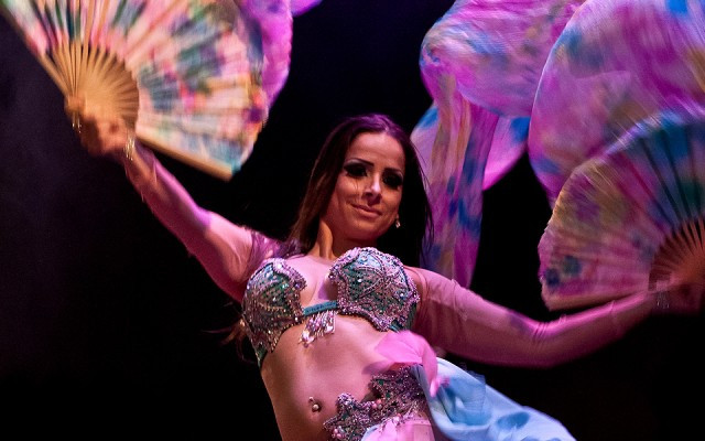Hire best luxury belly dancers in London