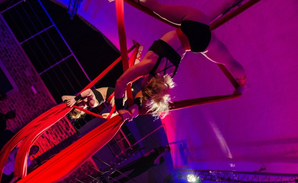 Hire best Aerialists Aerial Silks London